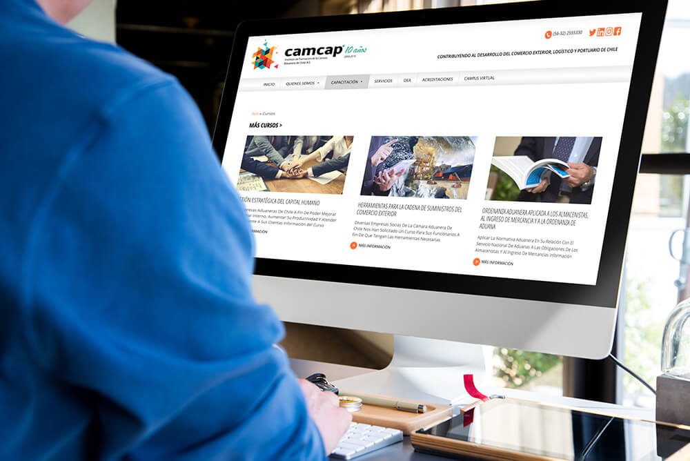Diseño de páginas web auto-administrables con requerimientos específicos